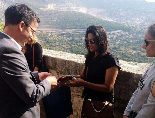 Tvrđava Klis obara rekorde posjećenosti – svečano dočekan sto tisućiti posjetitelj